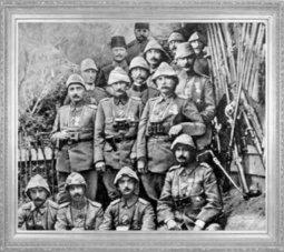 Mustafa Kemal, 3 ncü Kolordu Erkânı ile (1915)