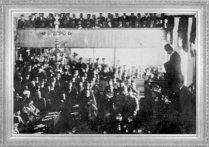Mustafa Kemal, 23 Nisan 1920 günü açılan Türkiye Büyük Millet Meclisi'nin ilk yıldönümünde kürsüde