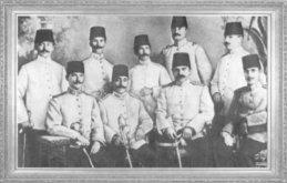 Mustafa Kemal, arkadaşları ile beraber (1906)