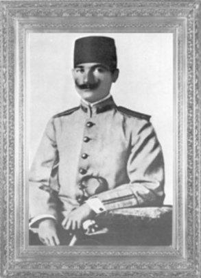 Mustafa Kemal, Şam'da, 5 nci Ordu 30 ncu Süvari Alayı'nda görevliyken (1906)