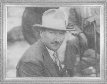 Şapka ve Kıyafet Devrimi Günlerinde Şapkasıyla Kastamonu'da...
